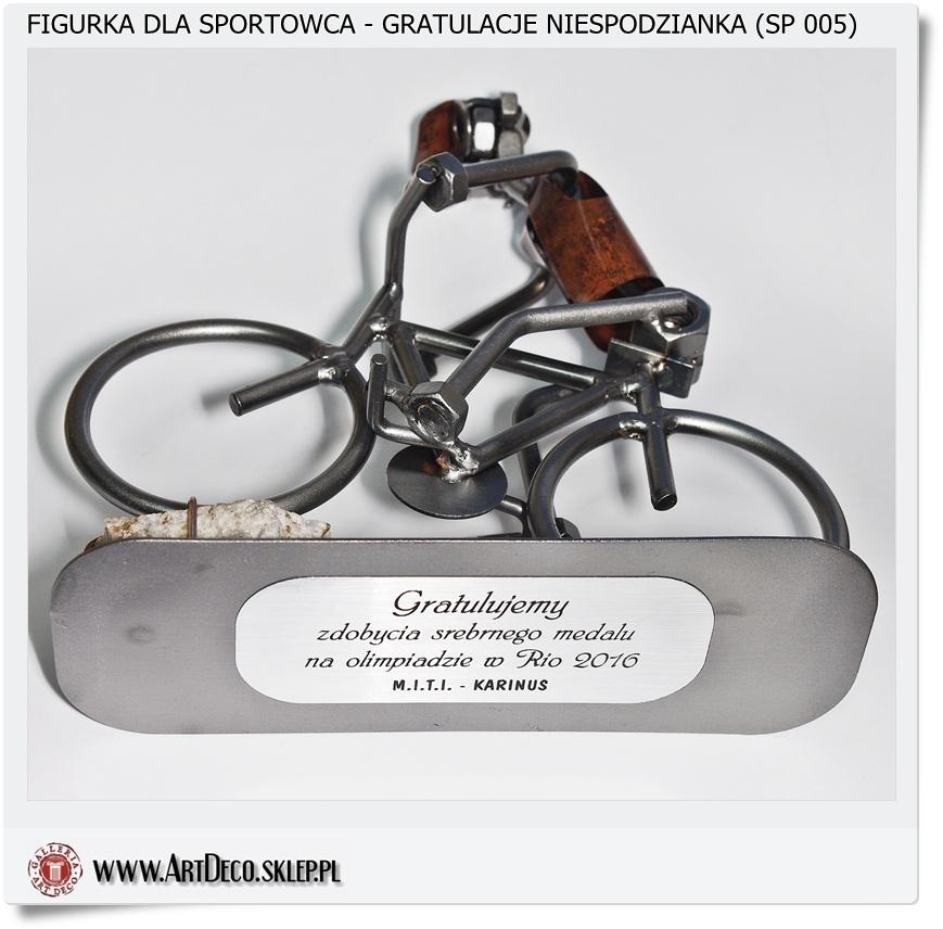 Metalowa figurka na prezent z grawerunkiem